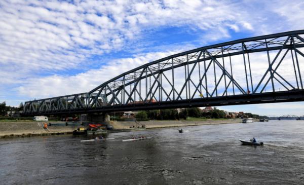 Na zdjęciu: most drogowy im. Józefa Piłsudskiego
