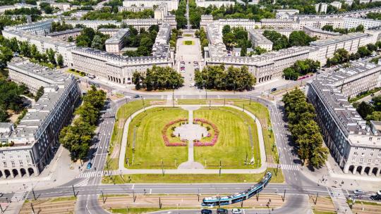 Nowa Huta, widok na plac Centralny, fot. Piotr Tomaszewski, źródło Wikipedia