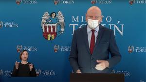prezydent Michał Zaleski podczas konferencji prasowej online