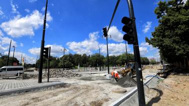 Sygnalizacja świetlna na przebudowywanym placu Rapackiego