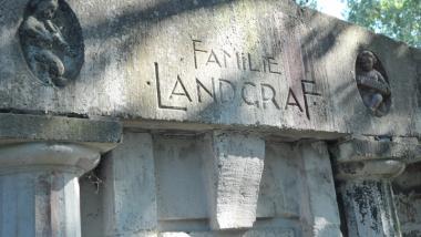 Na zdjęciu: nagrobek Familii Landgraf na cmentarzu św. Jerzego