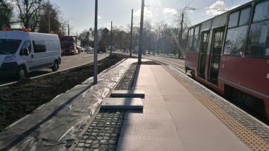 Na zdjęciu: tory tramwajowe w trakcie prac remontowych