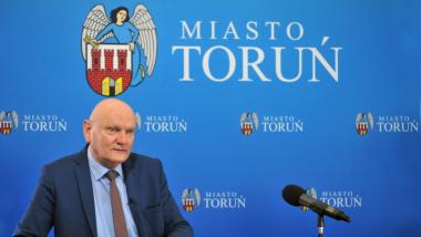Na zdjęciu: prezydent Michał Zaleski z mikrofonem