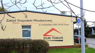 Na zdjęciu budynek Zakładu Gospodarki Mieszkaniowej