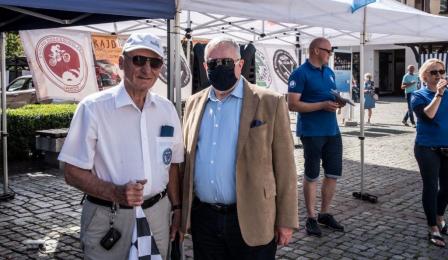 Na zdjęciu: Zbigniew Fiderewicz i jeden z uczestników rajdu
